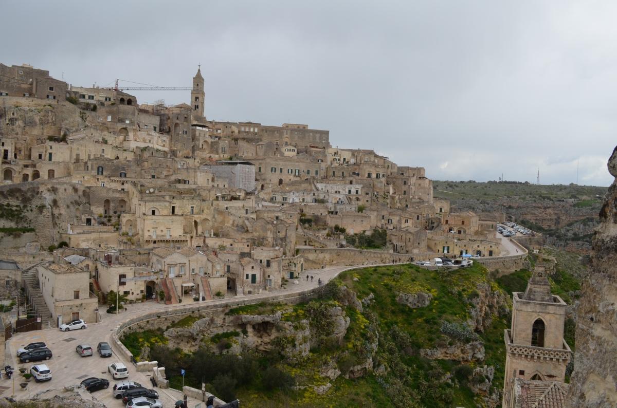 Matera, una città sottosopra per un viaggio al centro della terra.