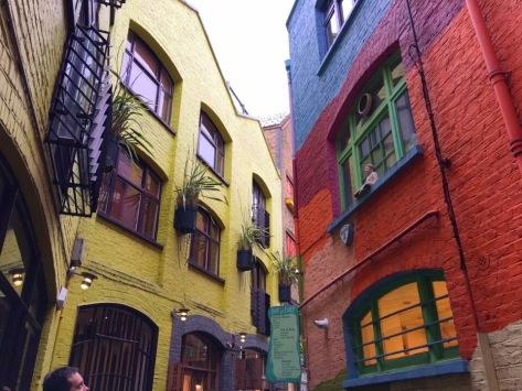 Neal's Yard - particolare dei coloratissimi palazzi